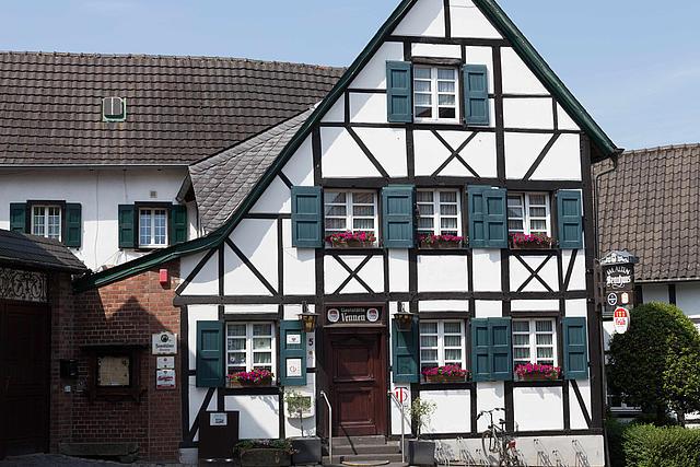Frontansicht Haus Vennen in Liedberg