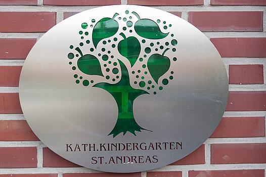 Eingangs-Schild des St. Andreas Kindergartens