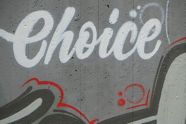 Graffiti-Aufschrift Choice am Jugendheim Kleinenbroich