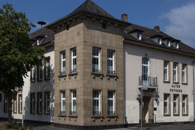 Eck-Ansicht des Glehner Rathauses