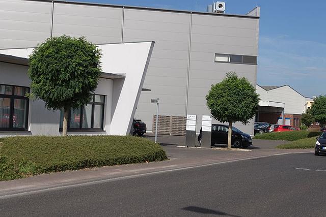 Moderne Architektur im Gewerbegebiet Kleinenbroich