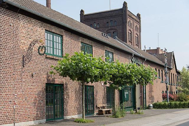 Bolten Brauerei: Außenansicht des roten Backsteingebäudes.