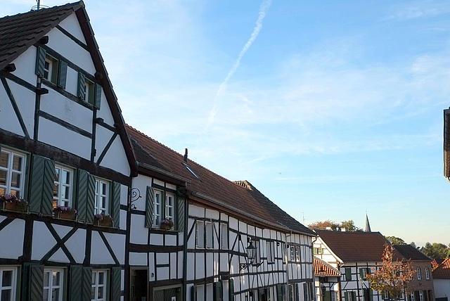 Reihe von Fachwerkhäusern in Liedberg