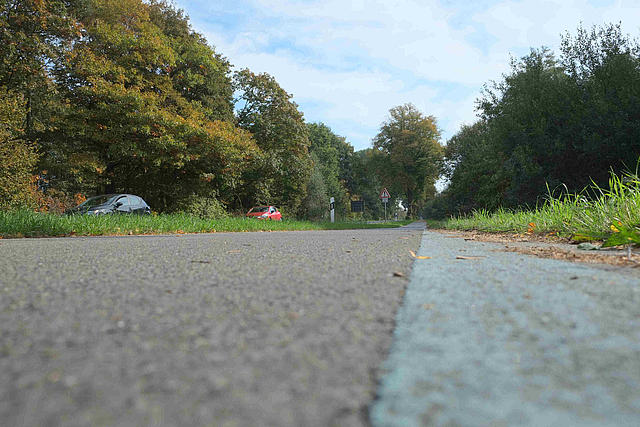 Radweg am Nordkanal aus Froschperspektive