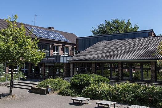 Außenansicht der Realschule in Kleinenbroich